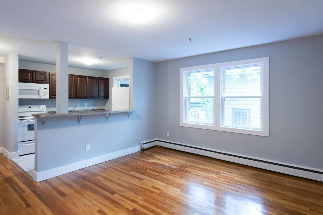 Renovated 1 Bedroom Unit