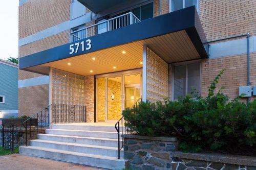 5713 Victoria Rd