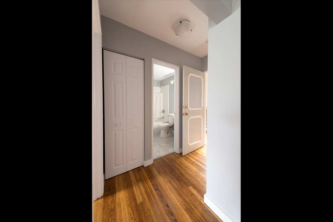 Renovated 1 Bedroom in 6060