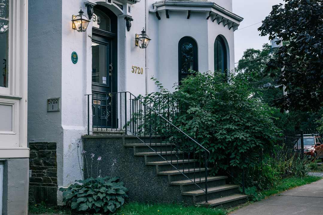 5720 Inglis Street – Exterior
